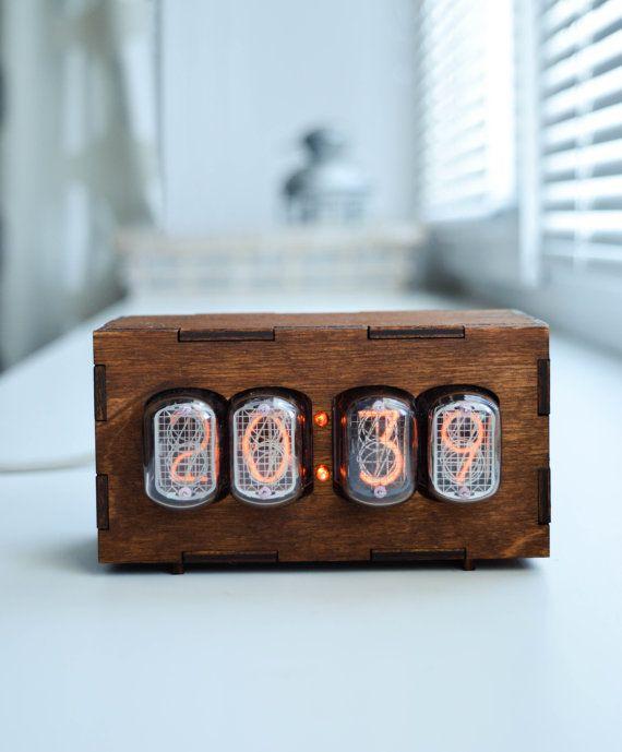 Reloj de tubo Nixie con 4 dígitos Nixie Clock IN-12A por Nixietron