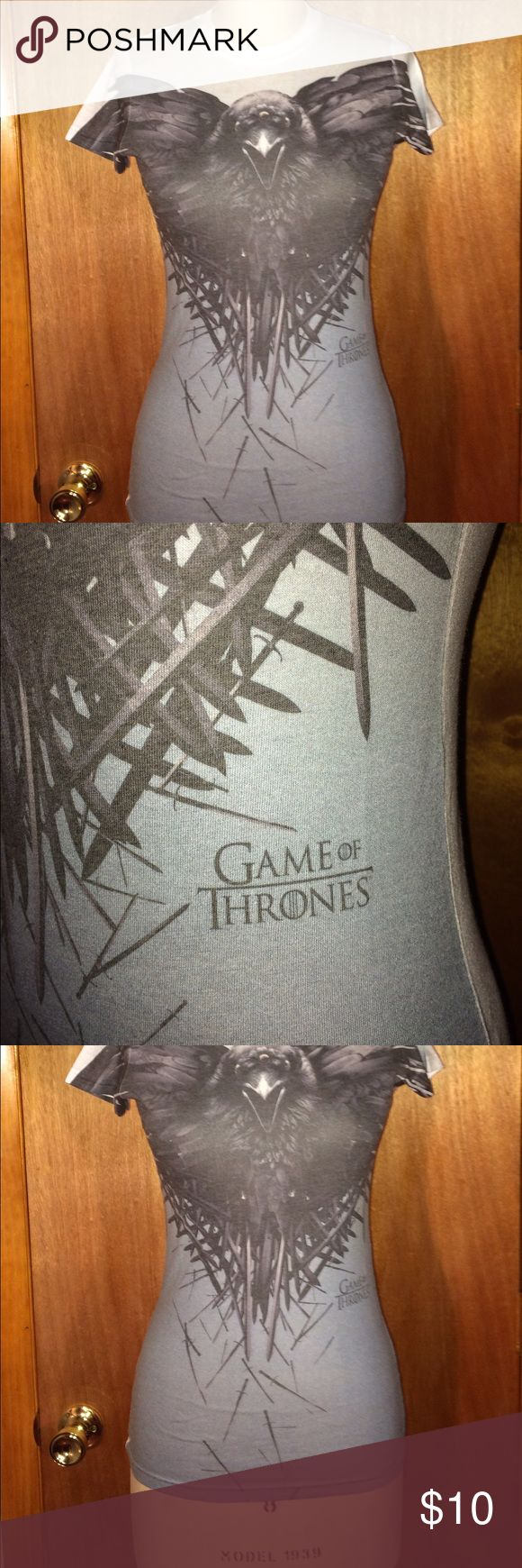 "NWOT Game of Thrones T-Shirt Sz Jrs S NWOT Hame of Thrones crow super soft t-shirt Sz Jrs Small.  Chest: 17"", waist: 14"", total length: 25.5"".  In new condition. Tops Tees - Short Sleeve"