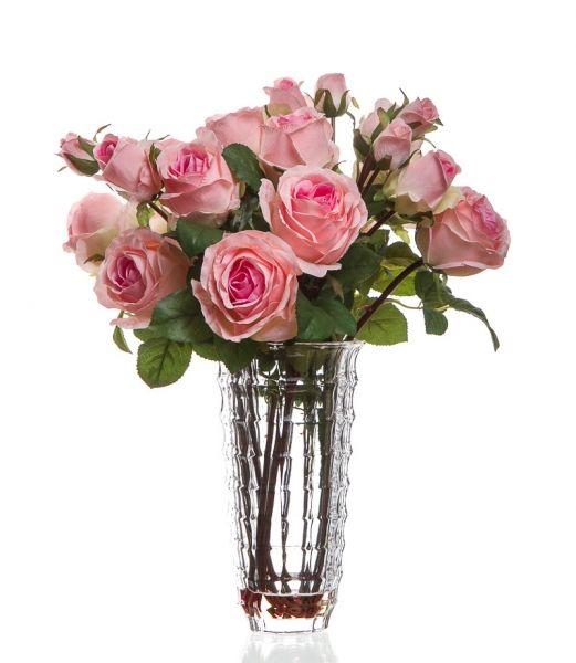 Umělé růžové růže ve strukturované váze
