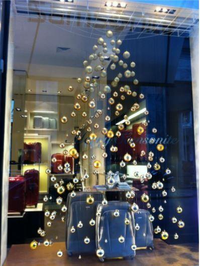 17 migliori idee su vetrine natalizie su pinterest decorazioni di natale artigianato - Idee per vetrine primaverili ...