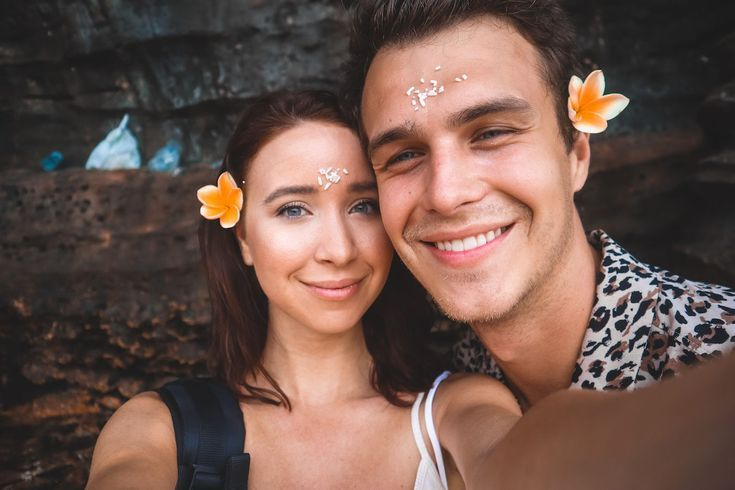 Couple Selfie / Tanah Lot holy water ceremony