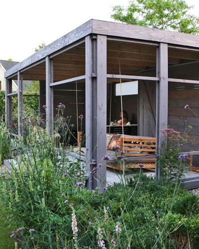 De buitenkamer van je dromen schommelbank pergola overkapping pinterest studios tuin and van - Terras beschut ...