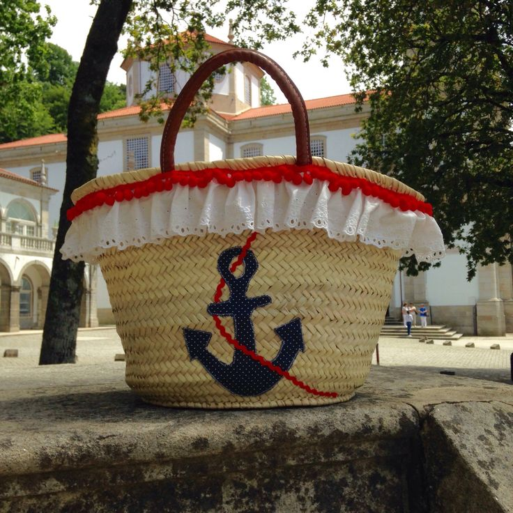 A personal favorite from my Etsy shop https://www.etsy.com/pt/listing/270006384/anchor-beach-straw-bag-customized-capazo