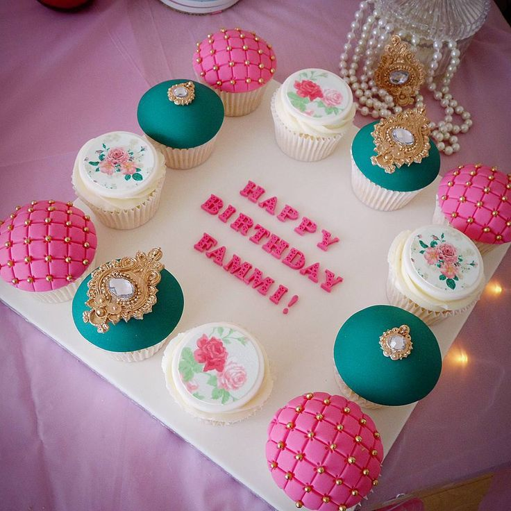 Cake Boss Cupcake Decorating Ideas : 25+ best ideas about Cake boss on Pinterest Cake boss ...