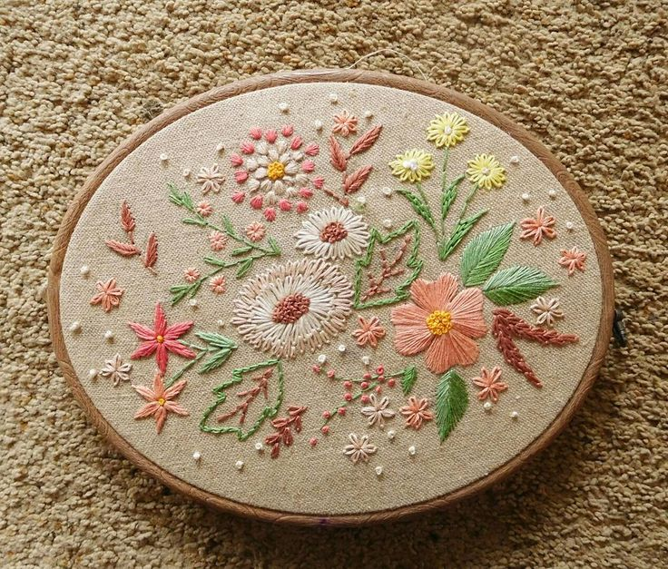 """Flowers as a gift for my Mother-in-law  buat oleh"""" mudik besok  . . . . #hoopartindonesia #hoopart #flowers #embroideryinstaguild #embroideredhoop #embroidery #embroideryart #sulaman #craft #crafty #handmade #handembroidery #handsewing #customade #giftidea #gift #walldecor #homedecor #indonesia #uploadkompakan"""