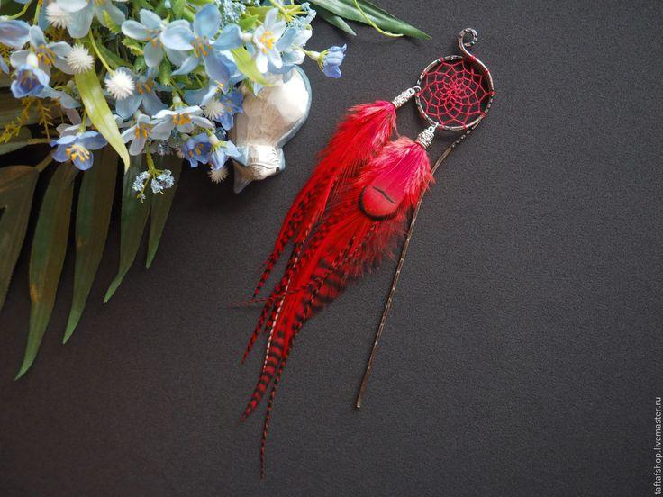 Алый закат - красные перья для волос на шпильке с ловцом снов - перо, перья