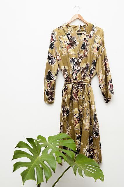 VEREL-Kimono de satén. https://www.verel.com.ar