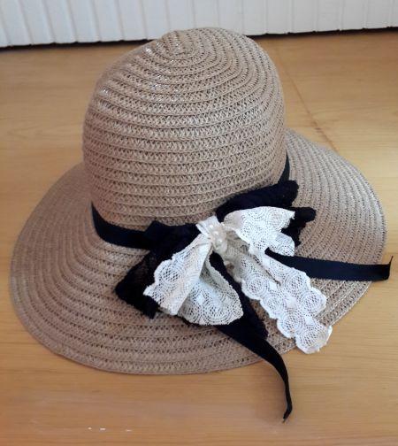Siyah, Krem Rengi Dantel Fiyonklu Hasır Şapka