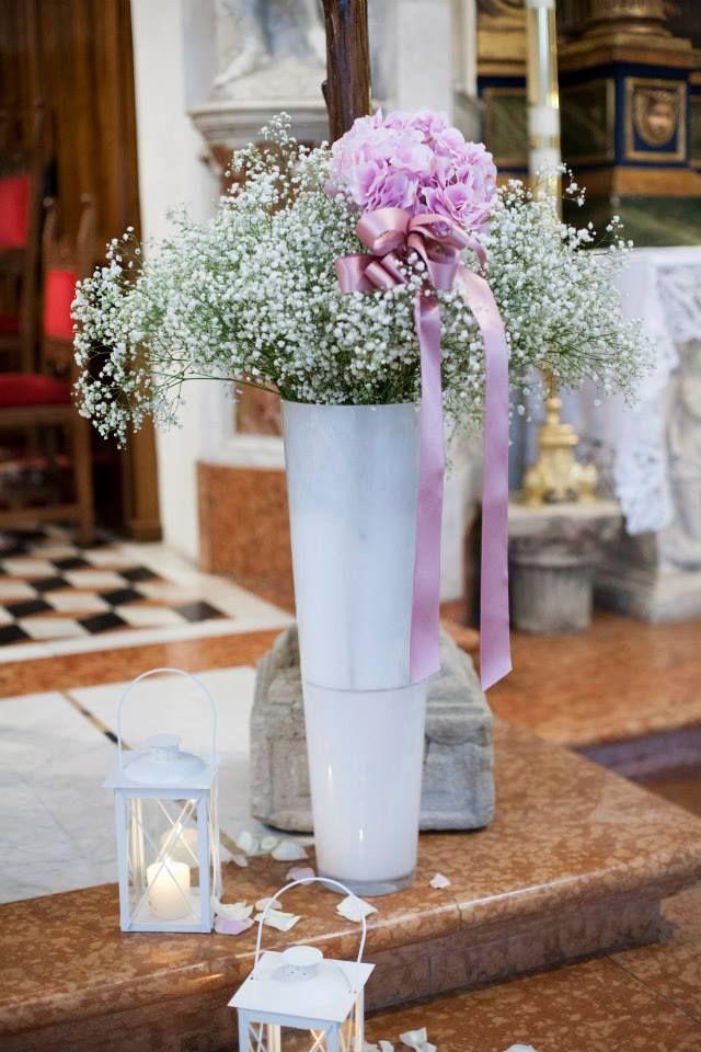 Ancora il rosa .... grande sbuffo di gipsophila su vasi in vetro bianco