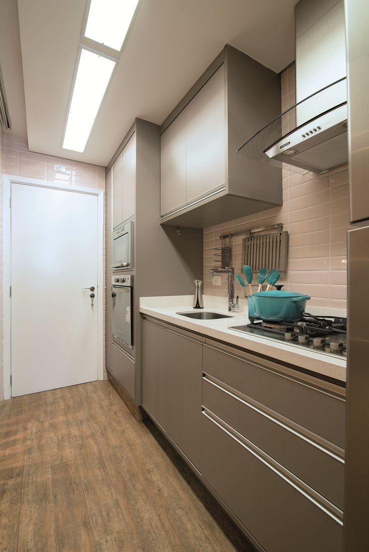 Apartamento com ambientes integrados e decoração elegante | Minha Casa