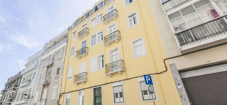 Portugal, Lissabon: 2 bedrooms, 2 bathrooms Condo/Apartment in Arroios | Remax Sverige