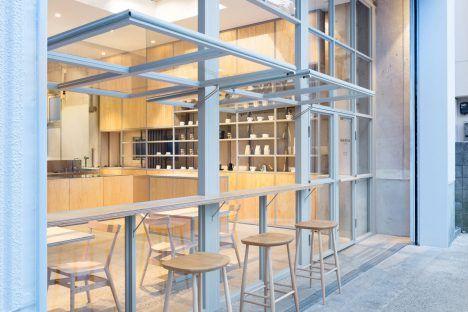 長坂常 / スキーマ建築計画による、東京・中目黒の「ブルーボトルコーヒー中目黒カフェ」 | architecturephoto.net