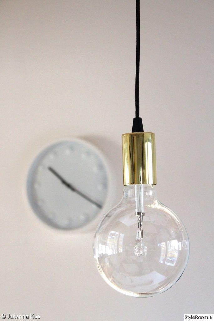 """""""JohannaKoo"""":n valaisin on yksinkertainen mutta silti näyttävä. Lampun suuri muoto kiinnittää huomion. #styleroom #inspiroivakoti #valaisin"""