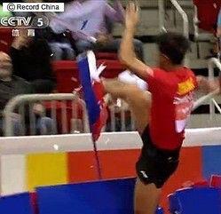 【画像あり】中国代表の卓球選手、張継科さん、オラつく