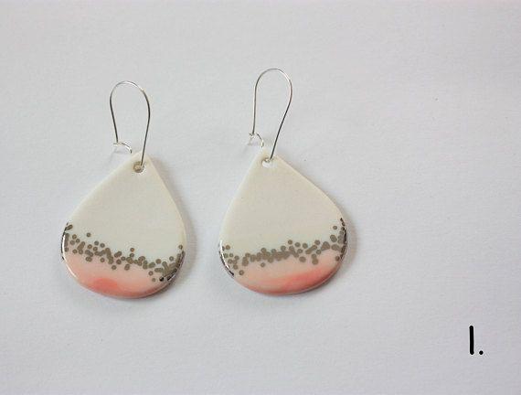 Porzellan Hängeohrringe Tropfen Weiß Lachs oder Rosa mit