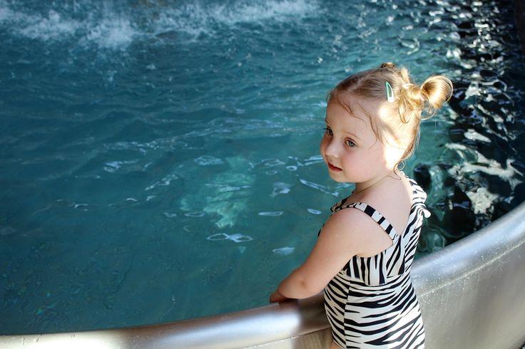 Niemowlak na basenie...zabawa na tarnowskich termach.
