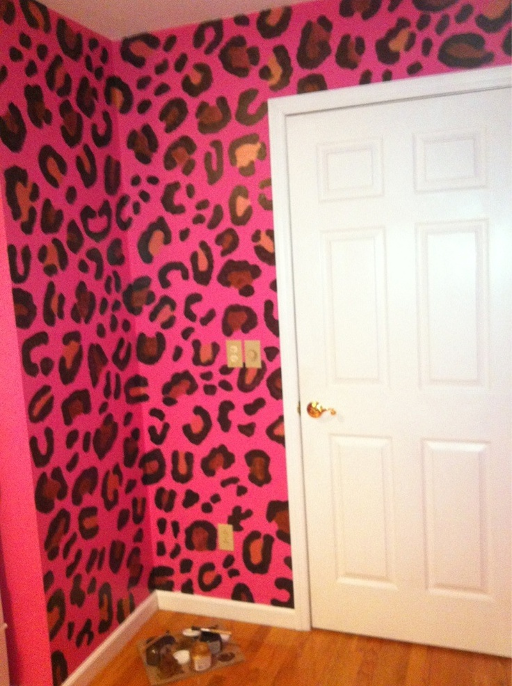 Cheetah print walls for a girl's room! Wow!