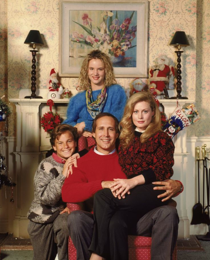 Christmas Vacation Movie Griswolds Cast  - chevy chase - beverly d'angelo - juliette lewis - johnny galecki - 1989