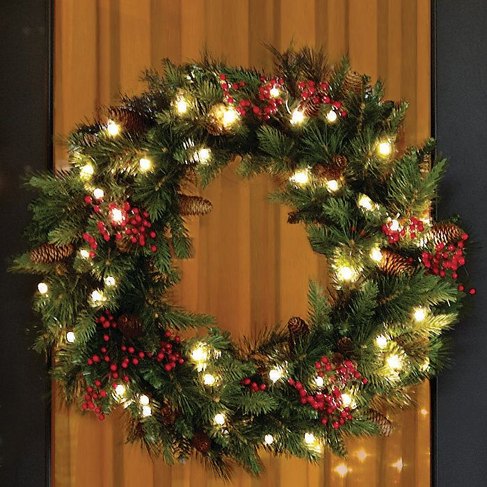 Outdoor Lighted Christmas Wreath Cordless