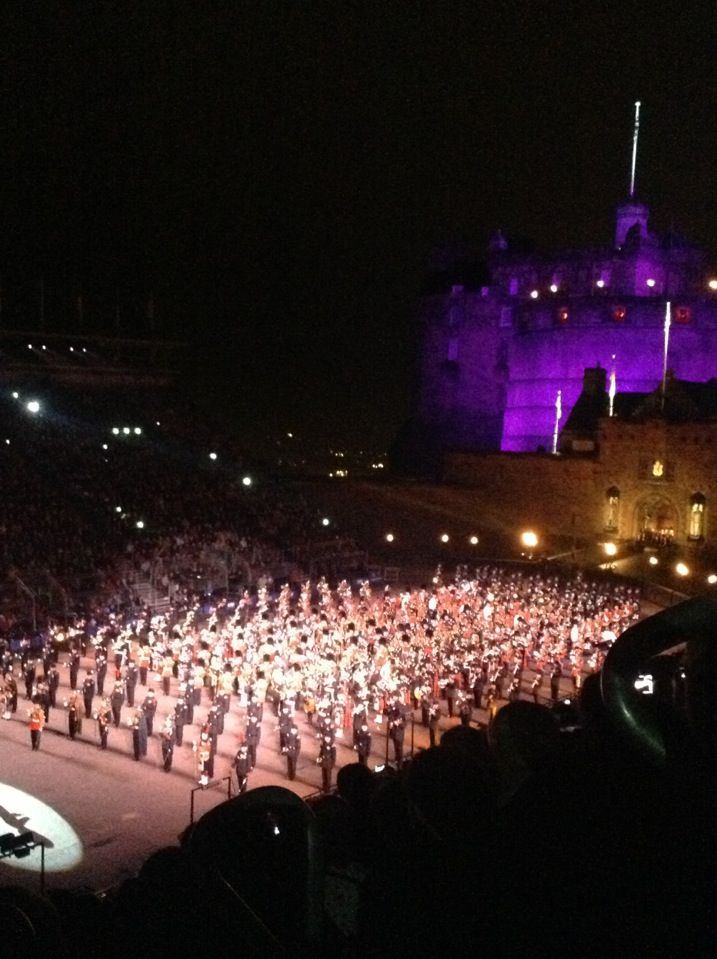 What a Show.....love the pipes and drums ❤️