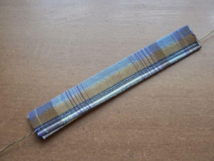 Мужской галстук-бабочка. Двух-цветный.Перемычка галстука уже заутюжена вдоль. Прострочим её.