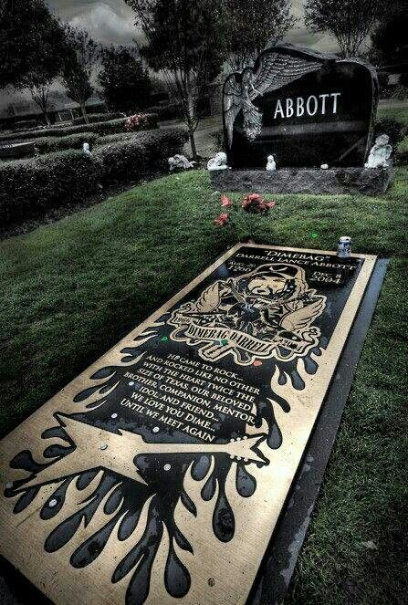 Dimebag Darrell's grave.... see you on the other side....