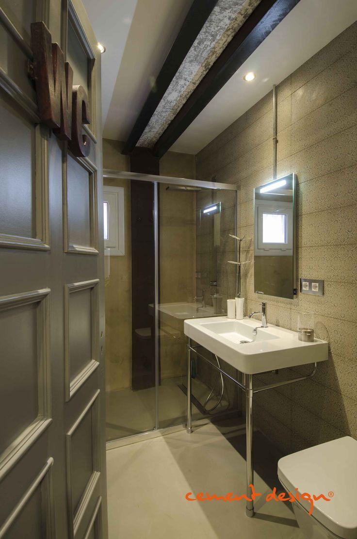 #Wc #Toilette decorative cement on #floor Cement Design. #Baño con #cemento decorativo aplicado en #suelos Cement Design