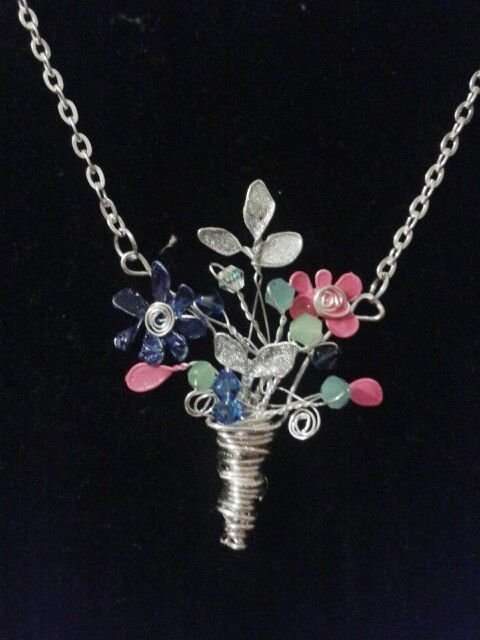 Bouquet Of Flowers Necklace Made With Beads Wire And Nail Polish Diy Crafts That I Love Jewelry