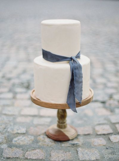 Crisp and chic two tier wedding cake with slate gray ribbon: http://www.stylemepretty.com/2016/08/10/best-fall-wedding-color-palette/ Photography: Jake and Heather - http://jakeandheatherphoto.com/