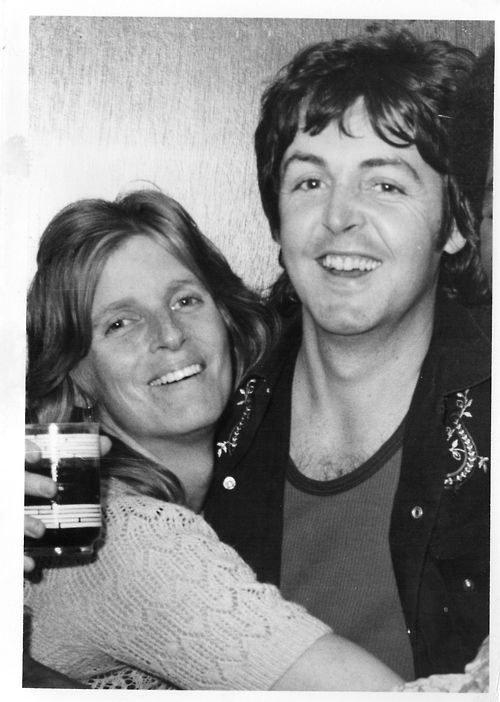 Paul McCartney and his wife Linda Eastman.