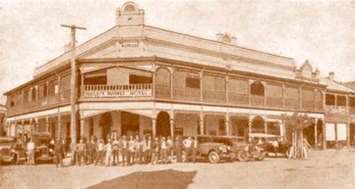 Weileys Hotel was first established in 1889 in South Grafton and called The Globe. Mr Weiley later bought the Willow Tree Hotel in Pound Street and in 1898 the Market Hotel. This was a single-storied building that was destroyed by a disastrous fire in 1908 and rebuilt as it stands today. The family is thought to have had the oldest continuous family licence in Australia until 1981, when it passed to other hands although the building is still owned by the family.