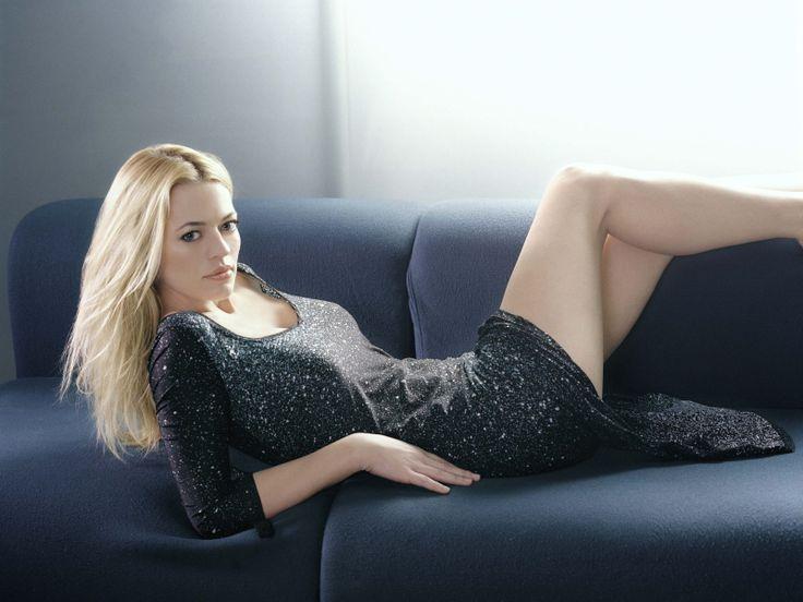 Vuoi #divano come Kristanna Loken? http://www.giacobbesalotti.it/divano-in-pelle-sultano.html