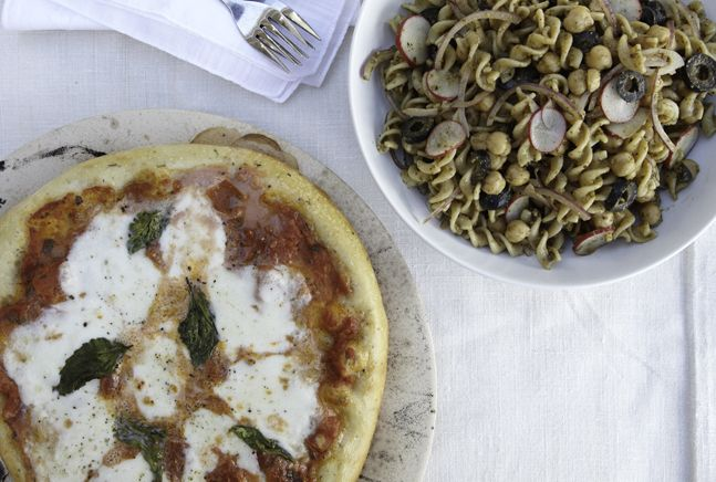 Margherita Pizza with Pesto Pasta SaladKosher Food, Margherita Pizza, Baking Sheet, Ideas Meatless, Pesto Pasta Salad, Menu Ideas, Kosher Cooking, Dinner Tonight, Bowls