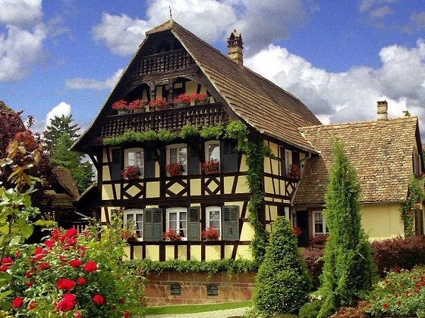 1000 id es sur le th me maison gothique sur pinterest d cor maison gothique - Maison vendeenne typique ...