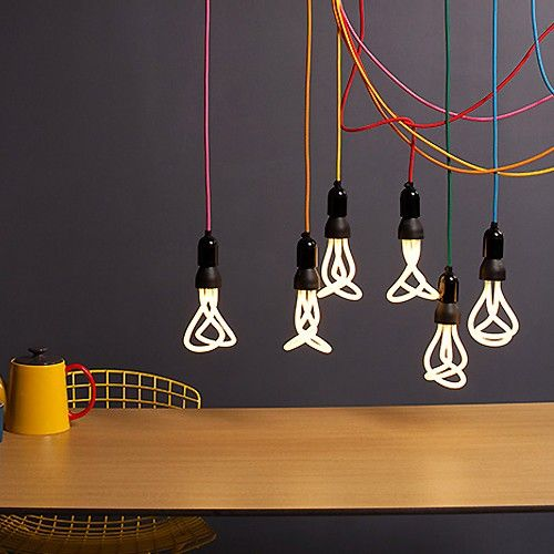 plumen-lampen-zwart-met-kleuren-koord-bij-emma-b-utrecht-keck-en-lisa-online-shop-voor-plumen_2.jpg (500×500)