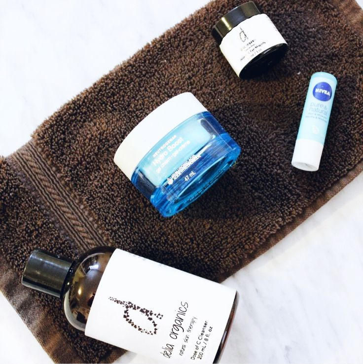 Morning Skincare Routine for Winter // featuring: Delia Organics, Neutrogena, and Nivea || image via Beauty by Catherine