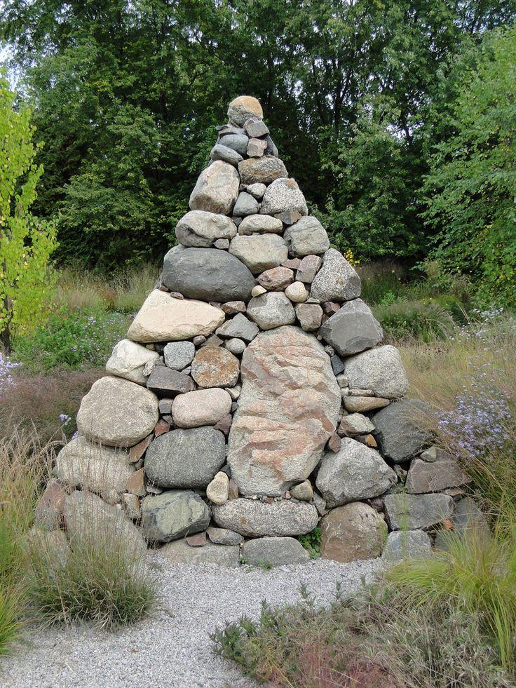 Stonework at Roy Diblik's Northwind Perennial modern garden design garden design ideas