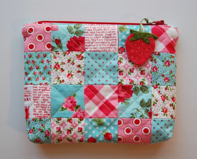 patchwork pouch, I love this pattern... I think that Victoria might get a baby quilt for her babies out of this...