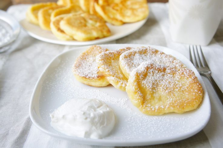 Syrniki (Farmers cheese pancakes) - Ohhhh, my FAVORITE Russian food. I need Farmer's cheese right now!!!!