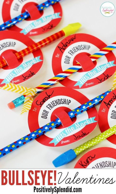 Adorable! Bullseye valentines with free printables. A great candy-free classroom treat idea! #yearofcelebrations