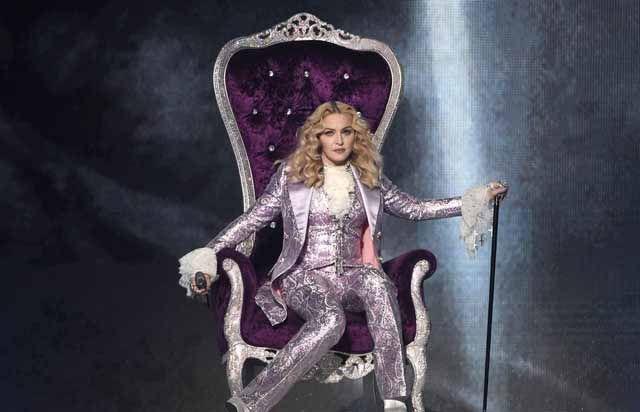 """Billboard Müzik Ödülleri'ne """"Prince"""" damgası   http://www.nouvart.net/billboard-muzik-odullerine-prince-damgasi/"""
