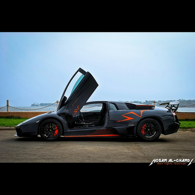 1025 best images about lambo gullwing on pinterest for Mercedes benz suicide doors