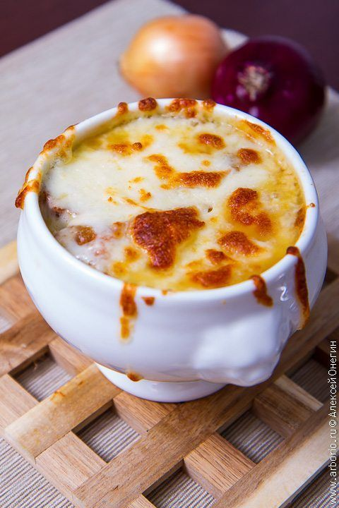 Фото к рецепту Французский луковый суп