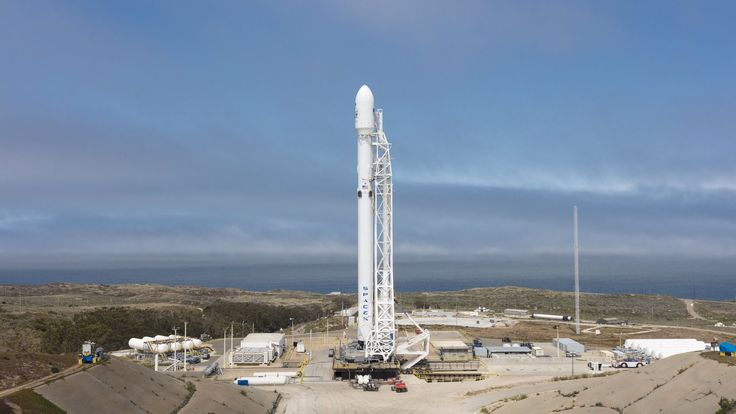 SpaceX nailed its second launch in three days today with liftoff of a Falcon 9 rocket from Vandenberg Air Force Base.