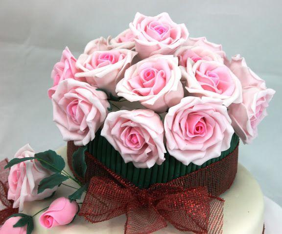 Tort Buchet de trandafiri roz