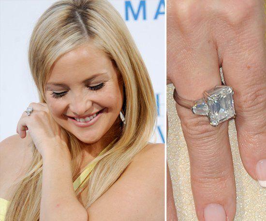 Pin for Later: Die schönsten Eheringe der Stars Kate Hudson Kate Hudson verlobte sich mit Matthew Bellamy im April 2011. Der dazugehörige Ring ist Berichten zufolge 200.000 US Dollar wert.