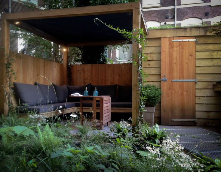 Kleine tuin tuinen pinterest tuin and met - Terras met houten pergolas ...