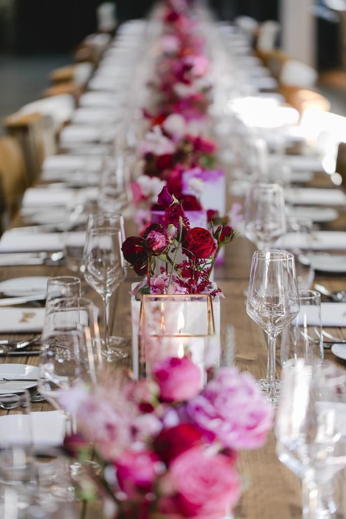 Hochzeitsdeko In Rot Und Pink Und Gold Hochzeit Deko Tisch Sommerhochzeit Hochzeitsdeko