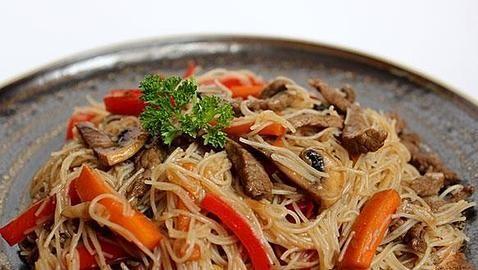 Fideos chinos con ternera de la Janda #gastronomy #cadiz #gastronomía #cocina #fusion