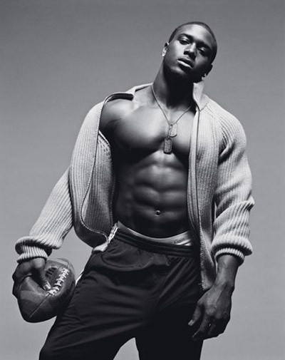Reggie Bush, one of the yummiest football players out there. yumminess